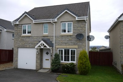 14 Woodlands Grove, Westhill, Inverness