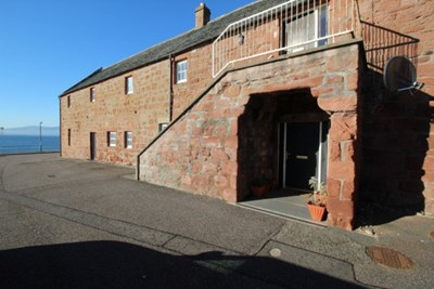 Flat 2, The Byre Cromarty