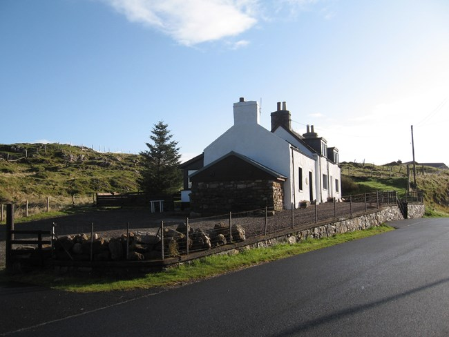 Nutfield House & Cottage, Knockan Elphin