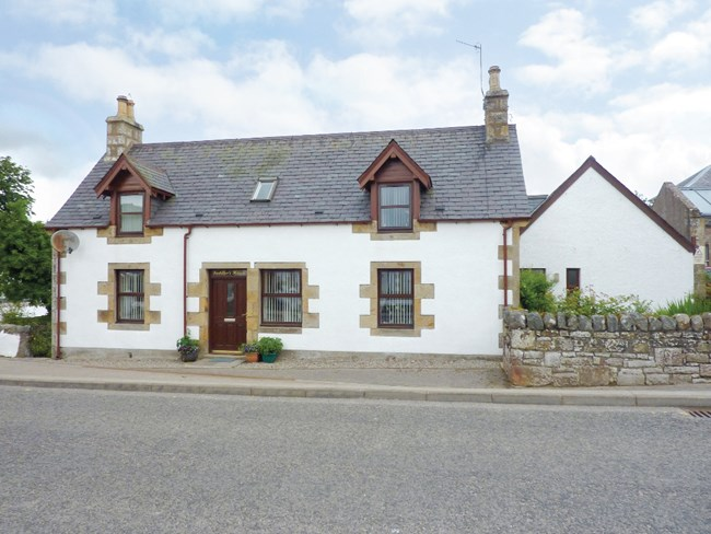 Saddler`s House, Main Street, Lairg IV27 4BJ