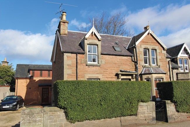 25 Kingsmills Road, Inverness IV2 3LB