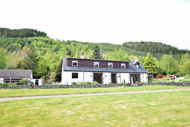 Carnoch Farm & Cottages, Strathglass, Beauly IV4 7LE