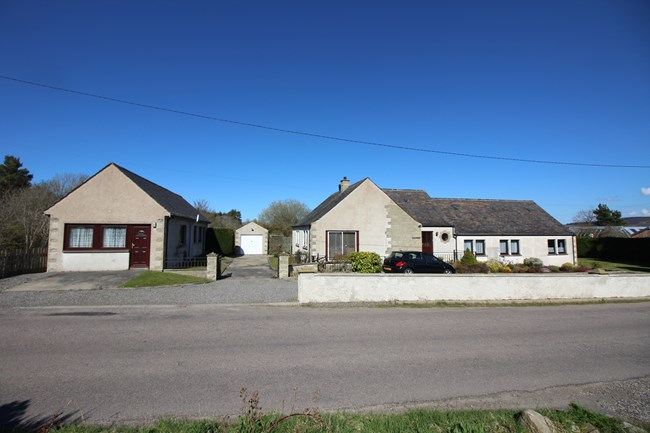 Airidh A'Bhuachaille House, Together with Rannoch Cottage, Leanach Crossroads, Culloden Moor Inverness IV2 5EH