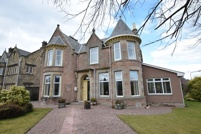28 Crown Drive, Inverness IV2 3NL