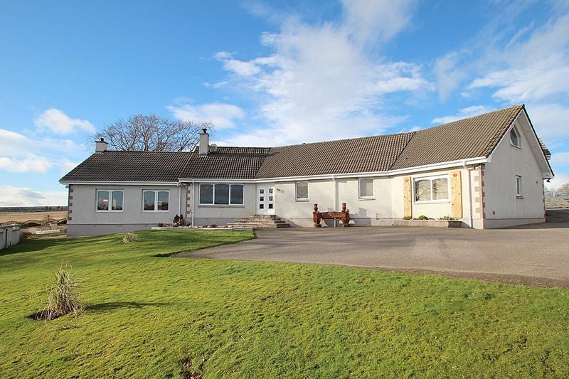 Wellfield House & Cottage, Ordhill, Fortrose