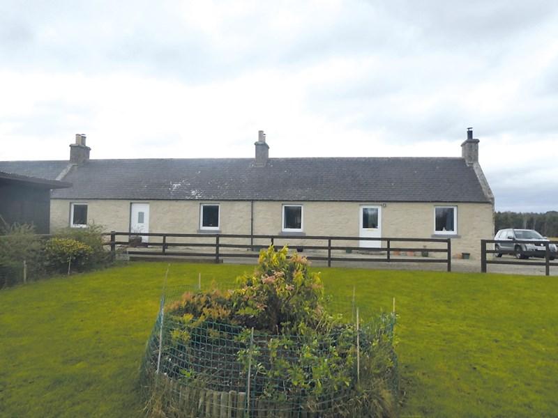 3 Bogbain Farm Cottages