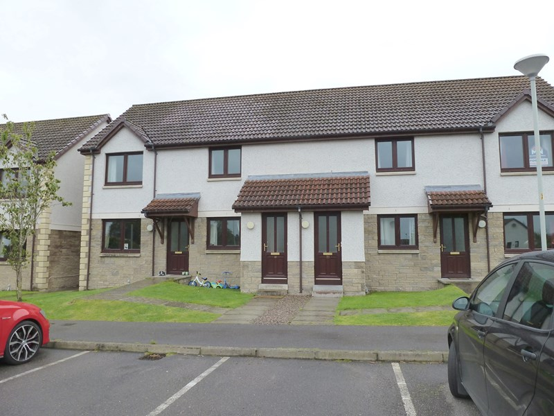 rent: 31 Holm Dell Place,Inverness,IV2 4GU