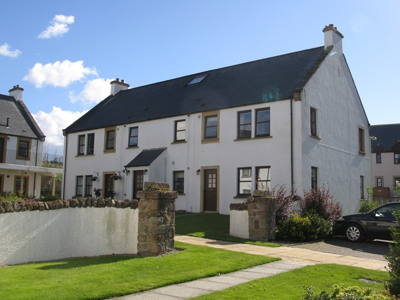rent: 20 Golf View Court,Inverness,IV2 6US