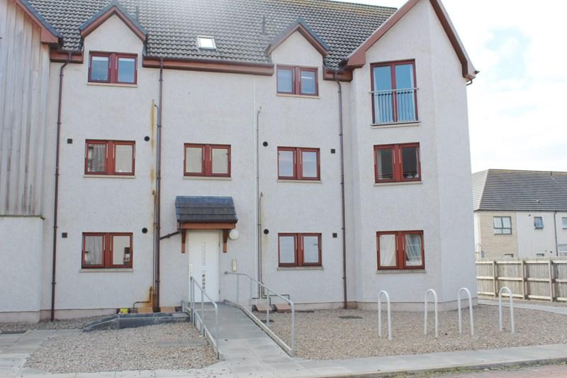 rent: 17 Harbour View,Inverness,IV3 8DE