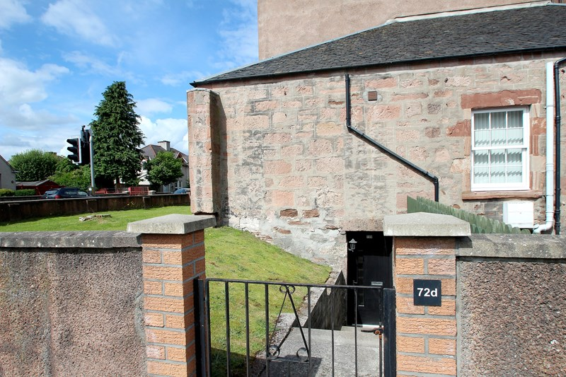 buy: 72D Lochalsh Road,Inverness,IV3 8HW