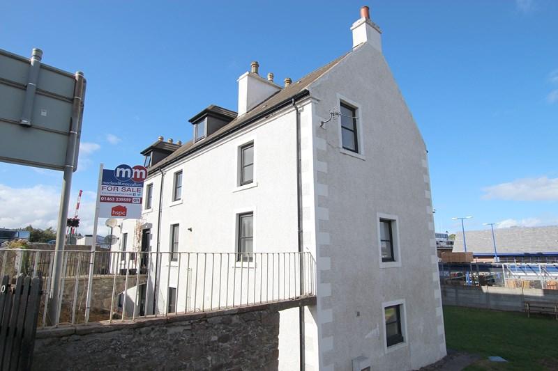 Flat 9, Inverness