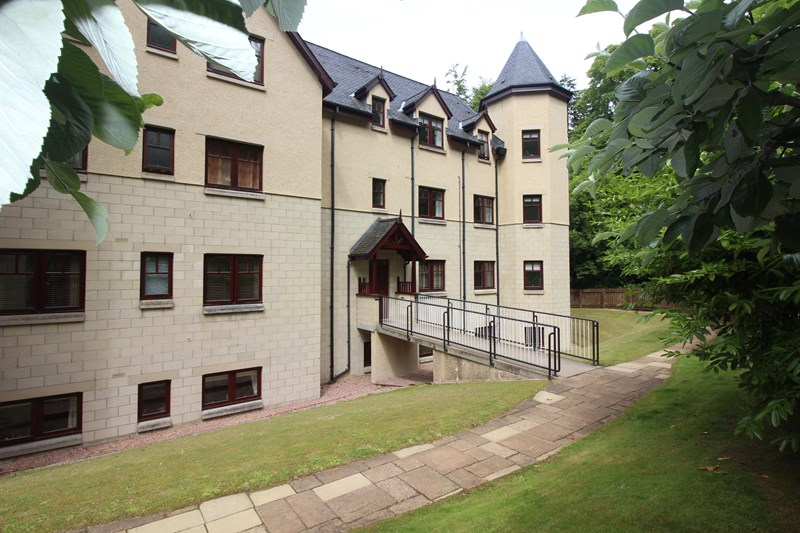 9 Heraghty Lodge Dores Road Inverness Inverness IV24GB