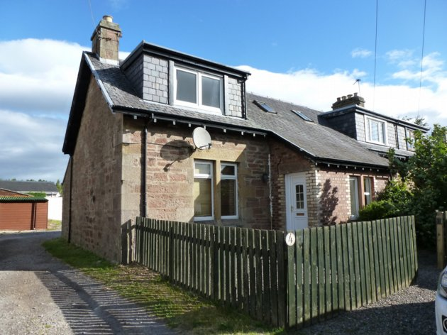 Semi Detached Cottage To Let Unfurnished 4 Railway