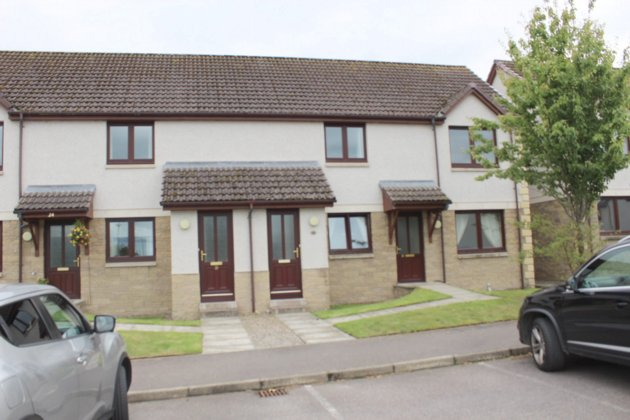 rent: 27 Holm Dell Place,Inverness,IV2 4GU
